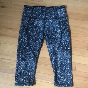 Lululemon running capris (just below knee)